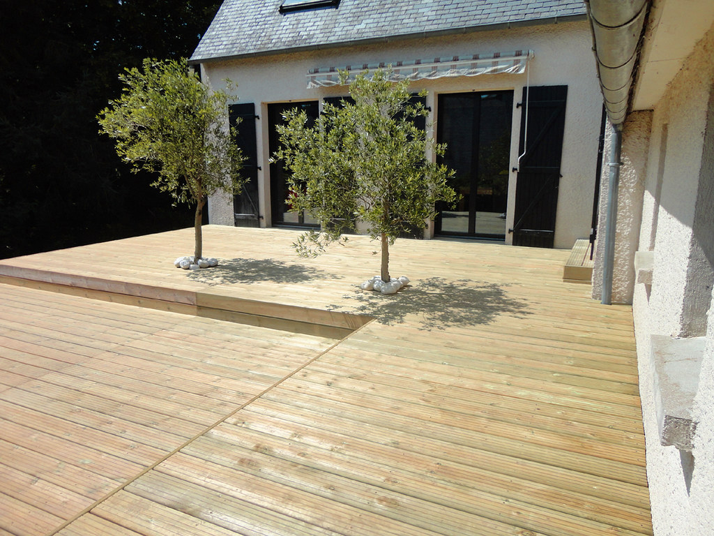 Kerbrat jardins terrasse bois sur lev e niveaux l02 for Terrasse bois surelevee