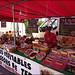 Le stand des saucissons sur le marché de Sainte-Marie