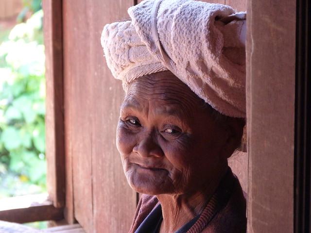 Anciana Pa-O en Myanmar
