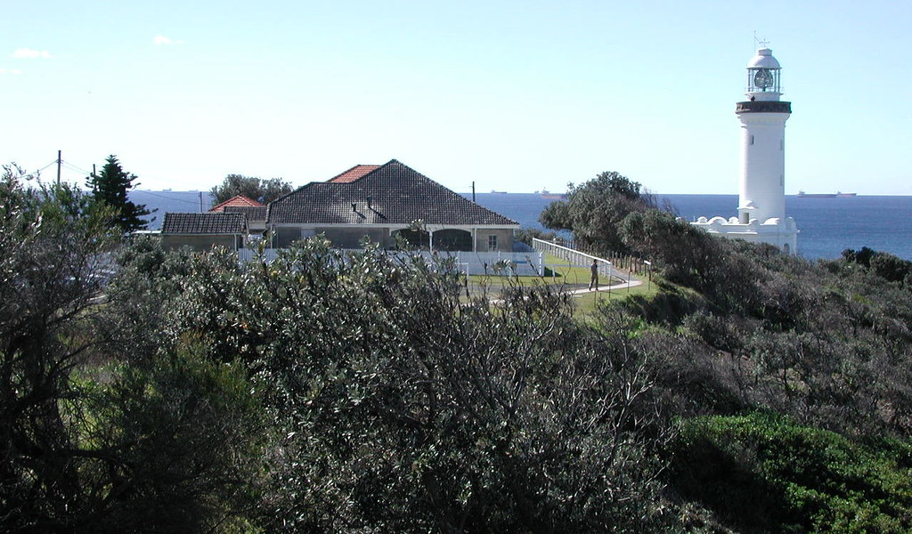 lighthouse keepers cottage  norah heads  nsw not far lighthouse keepers cottage devon lighthouse keepers cottage seal rocks