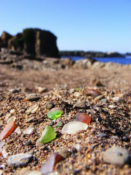 glass beach weird roadside attractions
