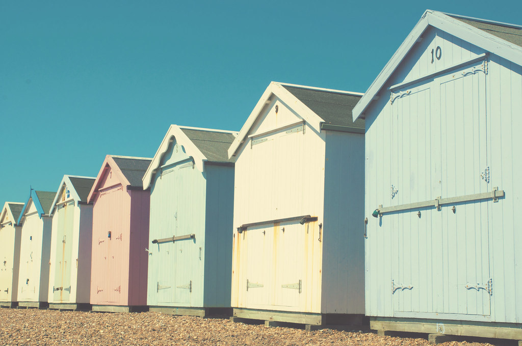 Pastel beach huts vintage style pastel beach huts anna for Beach hut style