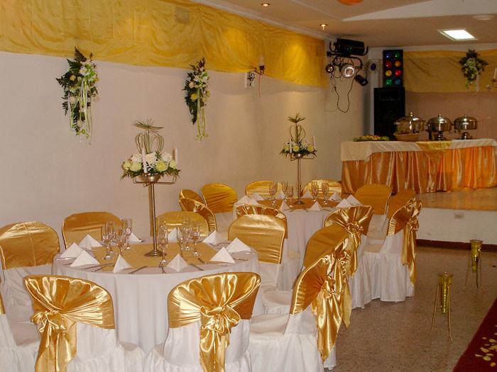 Montaje De Salon Color Dorado Merlot Eventos Flickr
