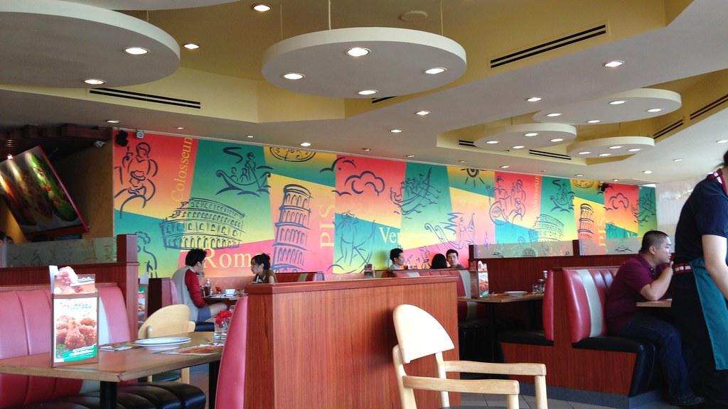 ... The Pizza Company, Kad Suan Kaew Shopping Centre, Huay Kaew Road, Chiang Mai