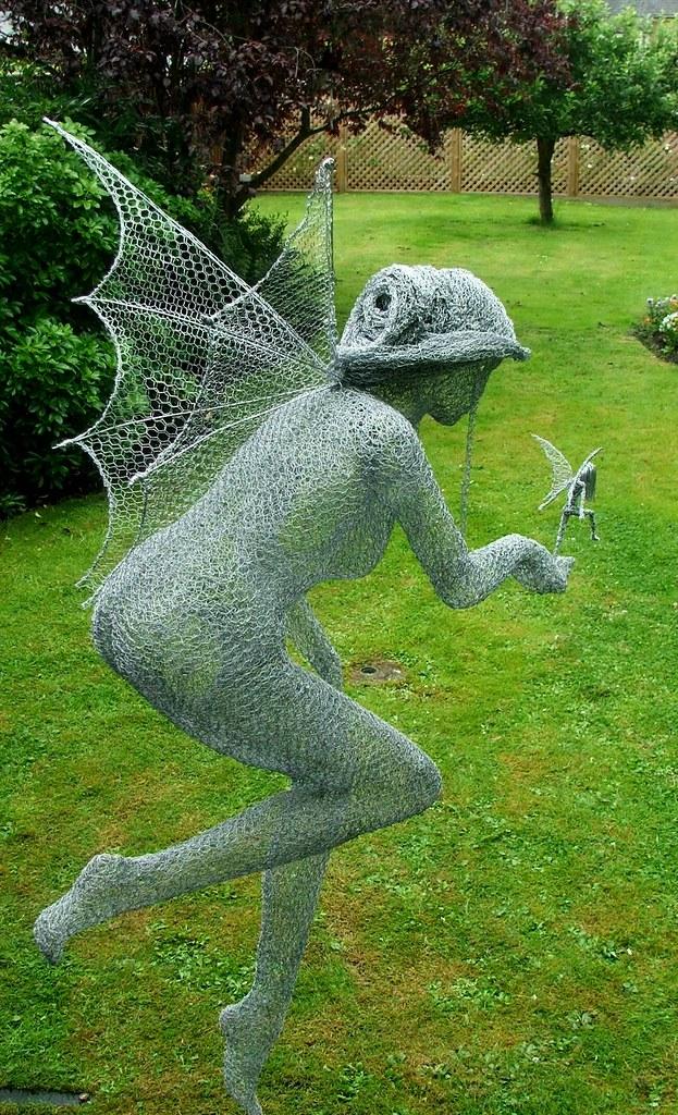 Derek kinzett fairy wire sculpture mother sprite commiss for Chicken wire sculptures uk