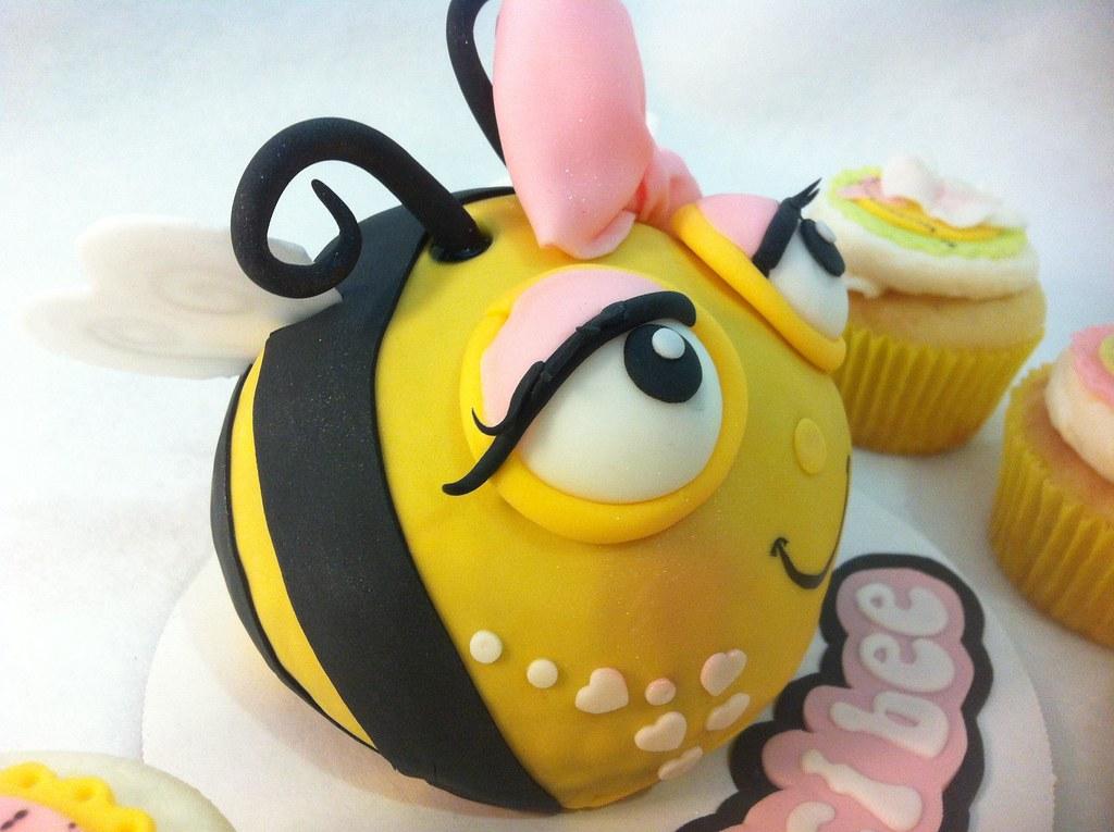 Bumble Bee Cake Pan