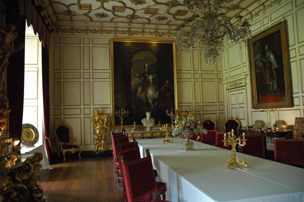 The state dining room in warwick castle off from the for In n out dining room hours