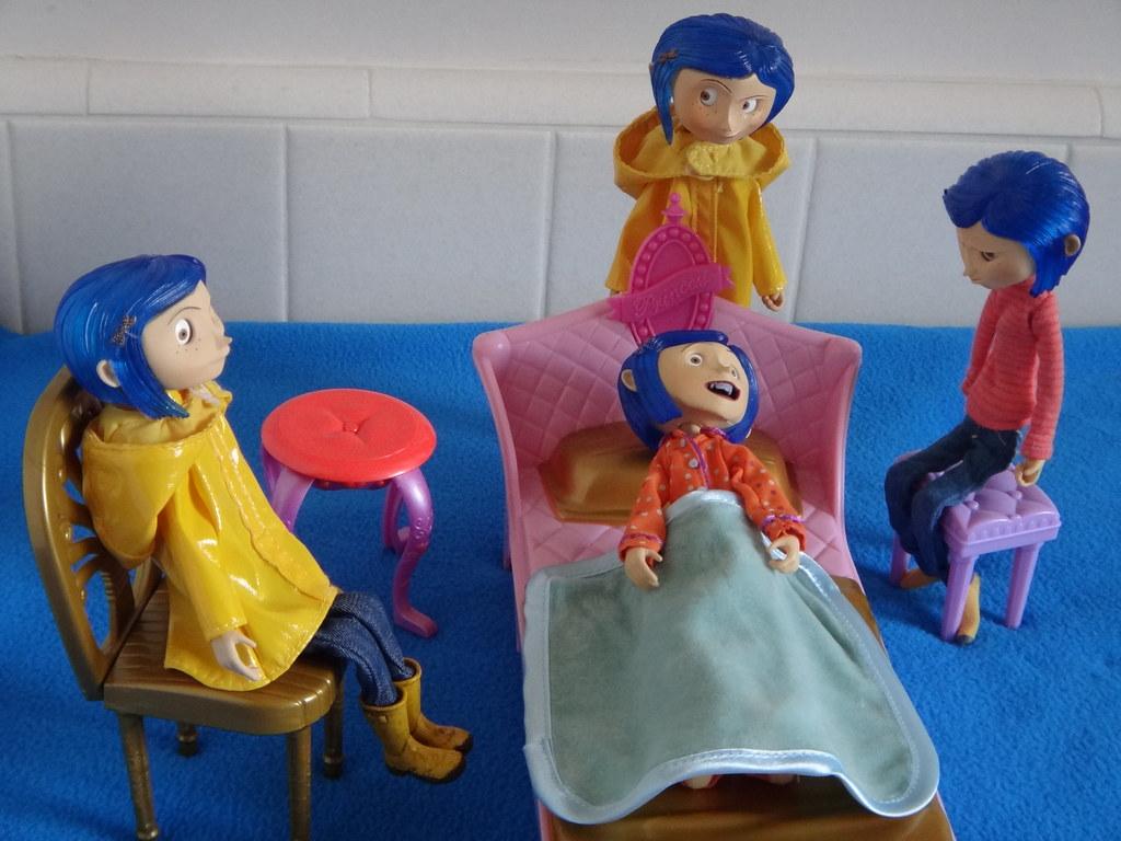 My Neca Coraline Bendy Dolls Raincoat 2 Raincoat 1 S