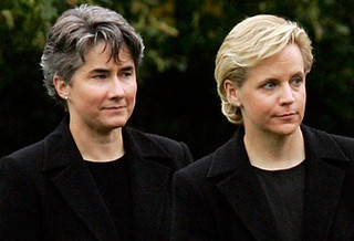 Mary Cheney Marries Heather Poe | Mary Cheney, daughter of ...  Mary Cheney Mar...