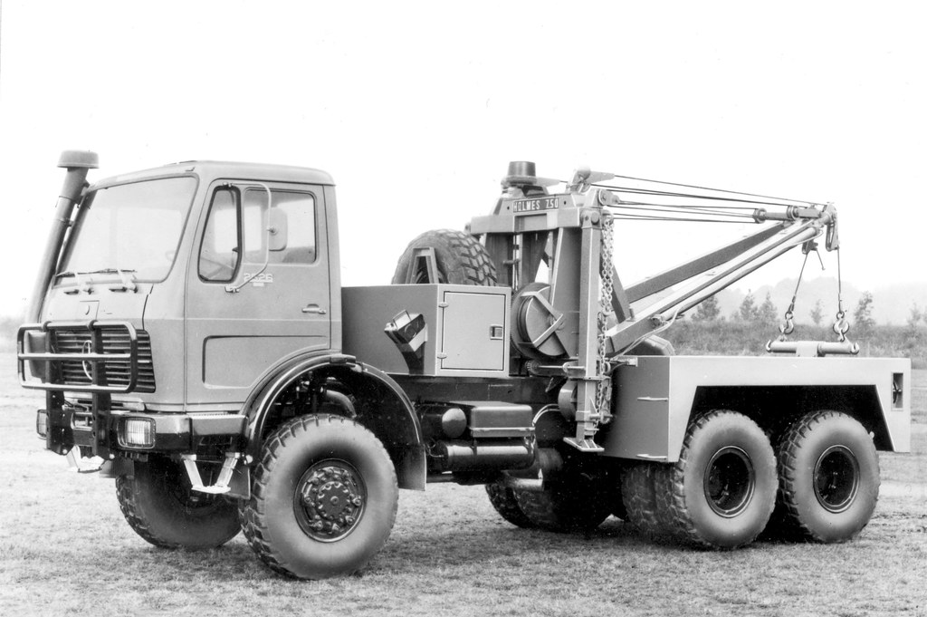 Merc 2626 With Holmes Wrecker This Was A Photo Like A