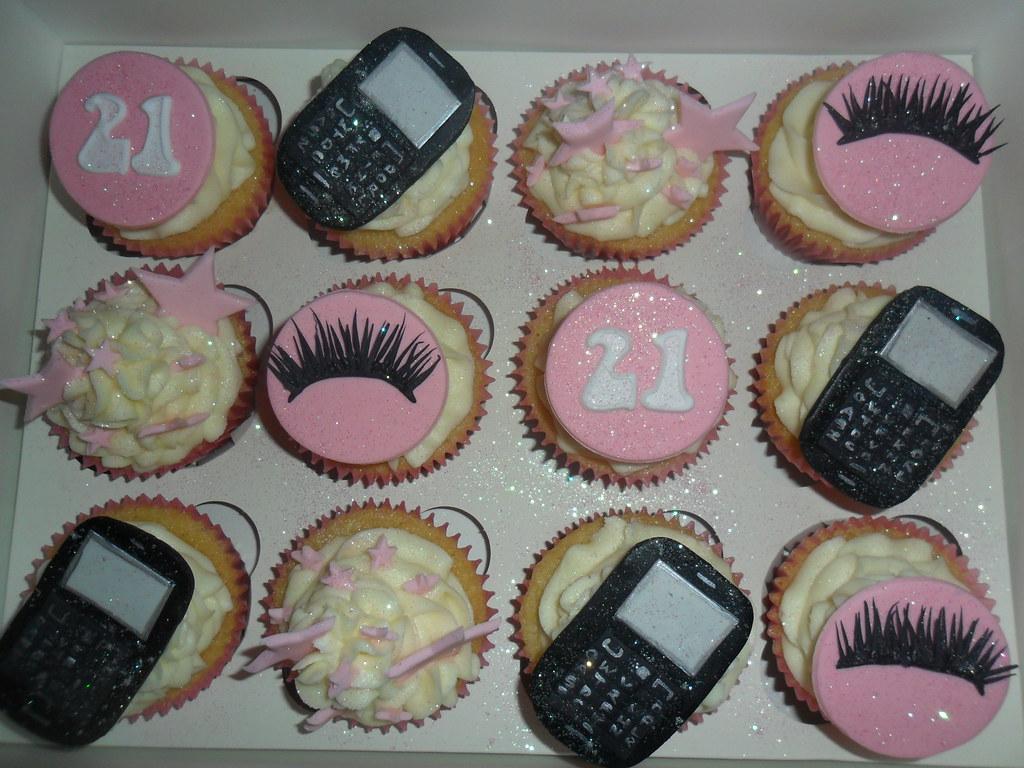 Cupcake Decorating Ideas 21st Birthday : blackberry cupcakes eyelashes stars cupcakes elizabeth ...