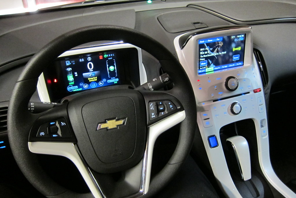 ... 2012 Chevy Volt   Interior Overview | By Jabella
