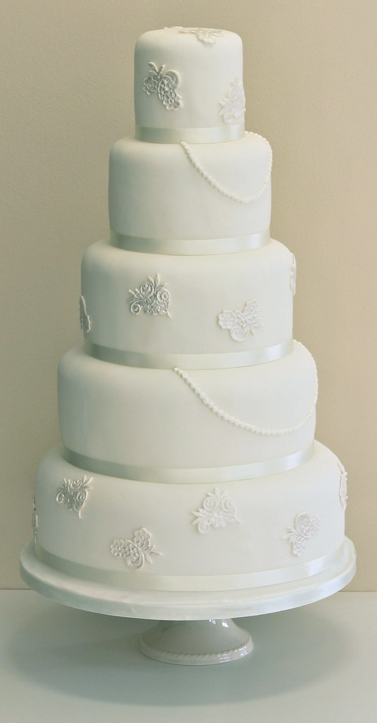 Pearl Wedding Cakes Design Lace Pearl Wedding Cake