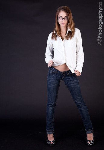 Super hottie in jeans and heels. | by andreas_schneider