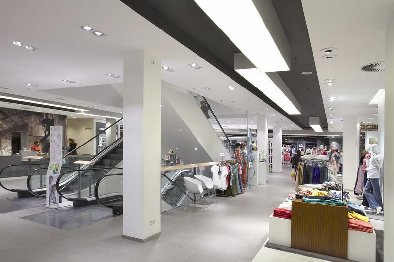 modehaus hagemeyer goes green mit neuer led shop beleuch flickr. Black Bedroom Furniture Sets. Home Design Ideas