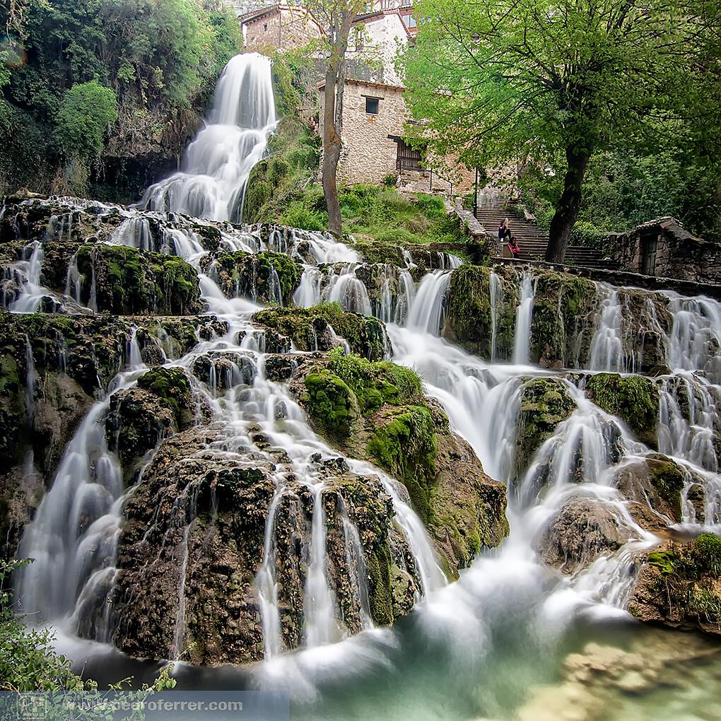 Cascada de orbaneja del castillo burgos www for Cascadas de jardin fotos