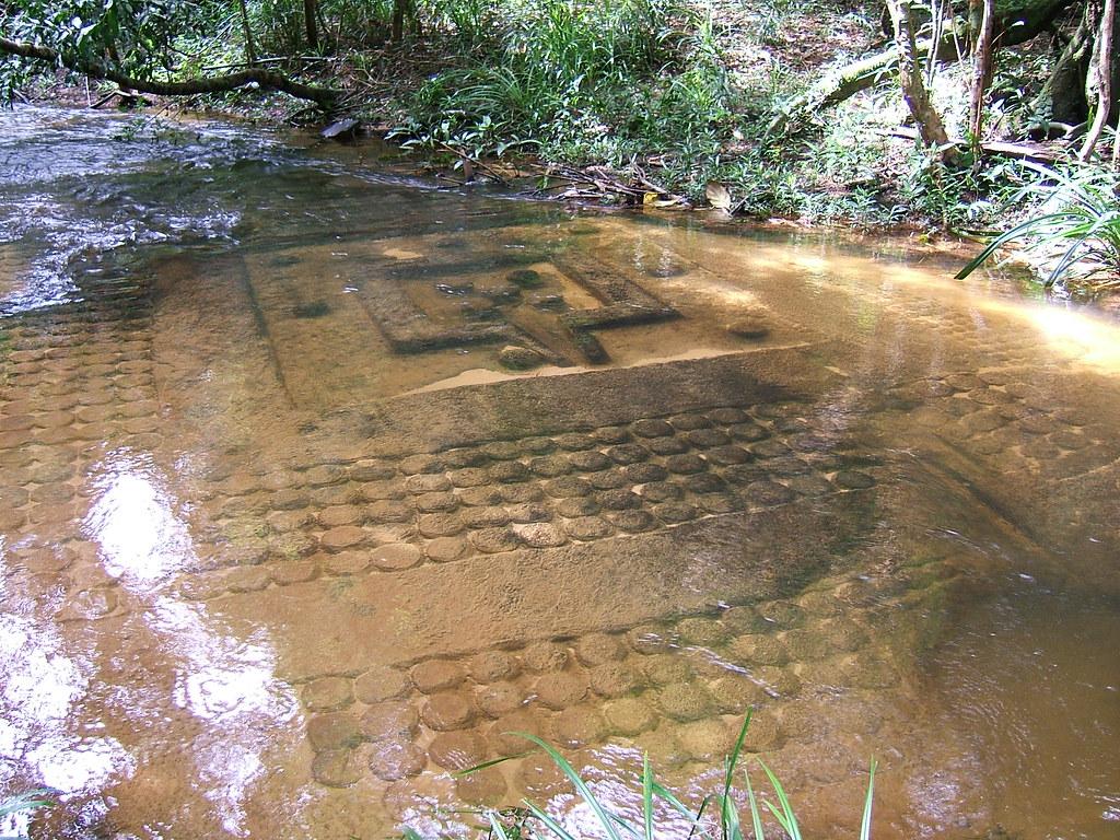 Kbal spean carvings on the bedrock sahasralingas or