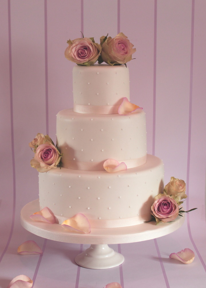 how to make a 2 layer wedding cake 3 tiered vintage wedding cake flickr 15768