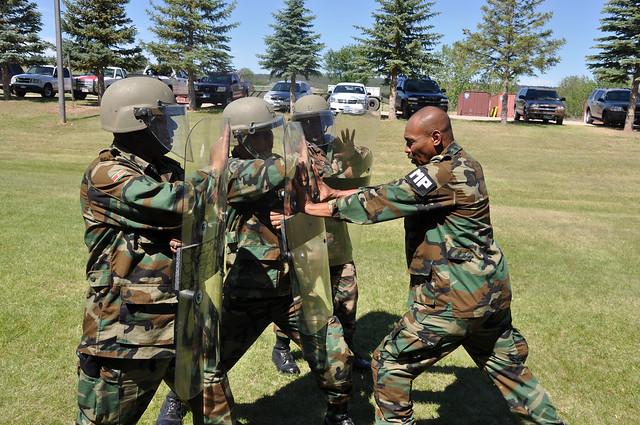 Surinamese National Army / Surinaamse Nationaal Leger ( SNL ) 7394146854_b2b260e254_z