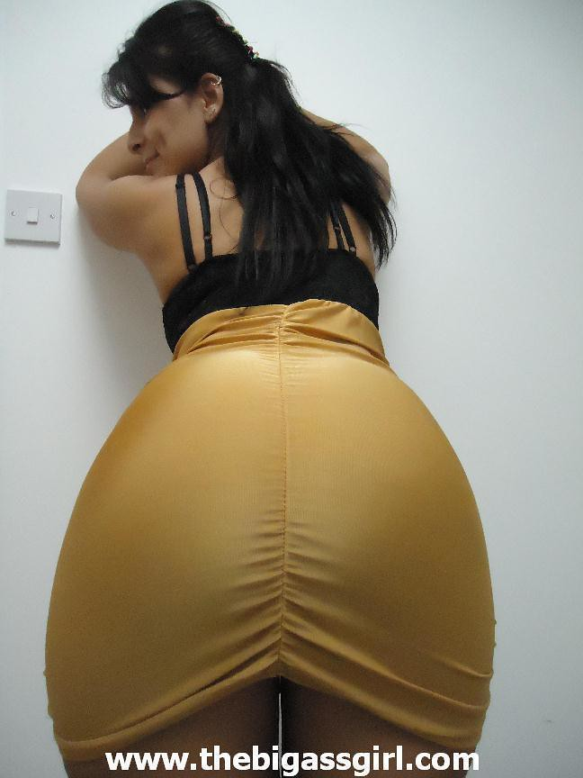 The-Big-Ass-Girl-Gold-Dress  Big Booty In Tight Gold -6094
