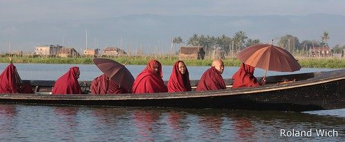 Monks on Inle Lake | by Rolandito.