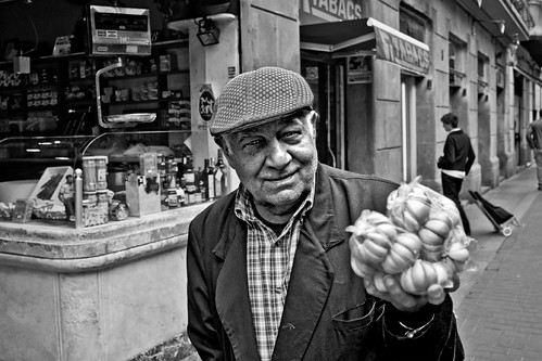 The Garlic seller | by stylebcn images