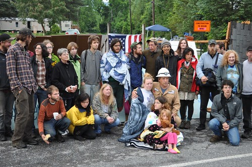 eric and april, with their kids, the blockades and the volunteers. | by Save Riverdale