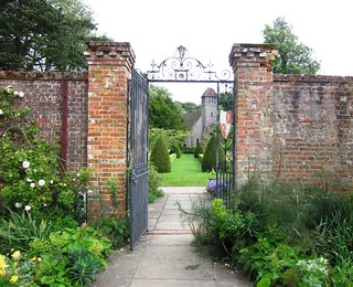 Path and gate in Hinton Ampner Gardens | by Leimenide