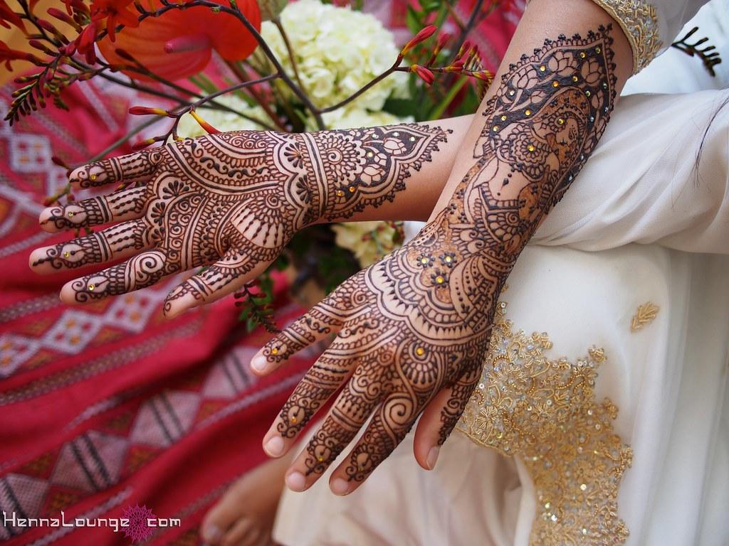 Bridal Mehndi Collection : Dulhan bridal mehndi bride with lotuses by
