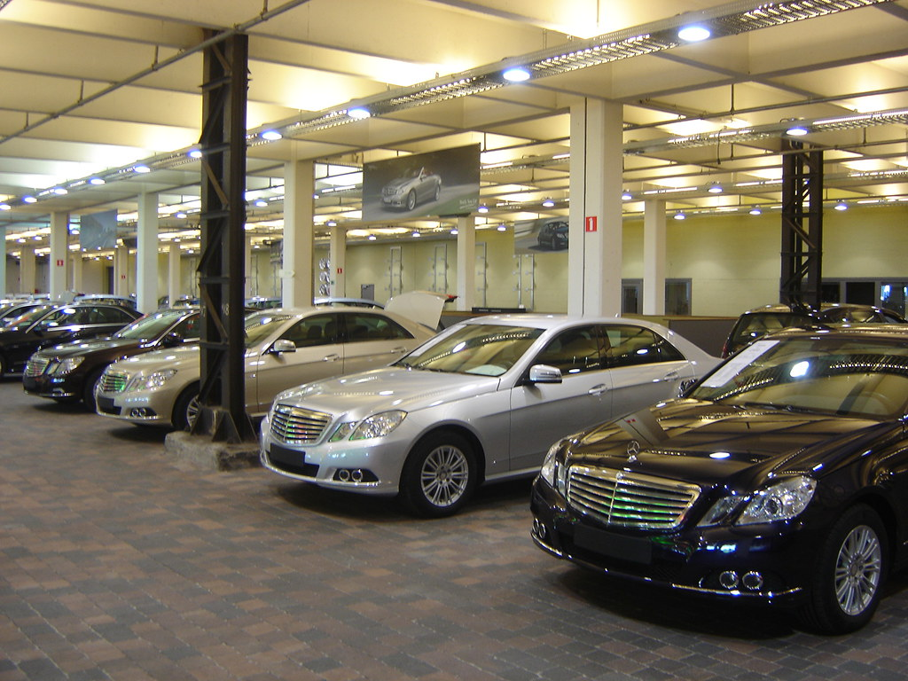 Antwerpen used mercedes benz sales in this former for Mercedes benz warehouse jobs