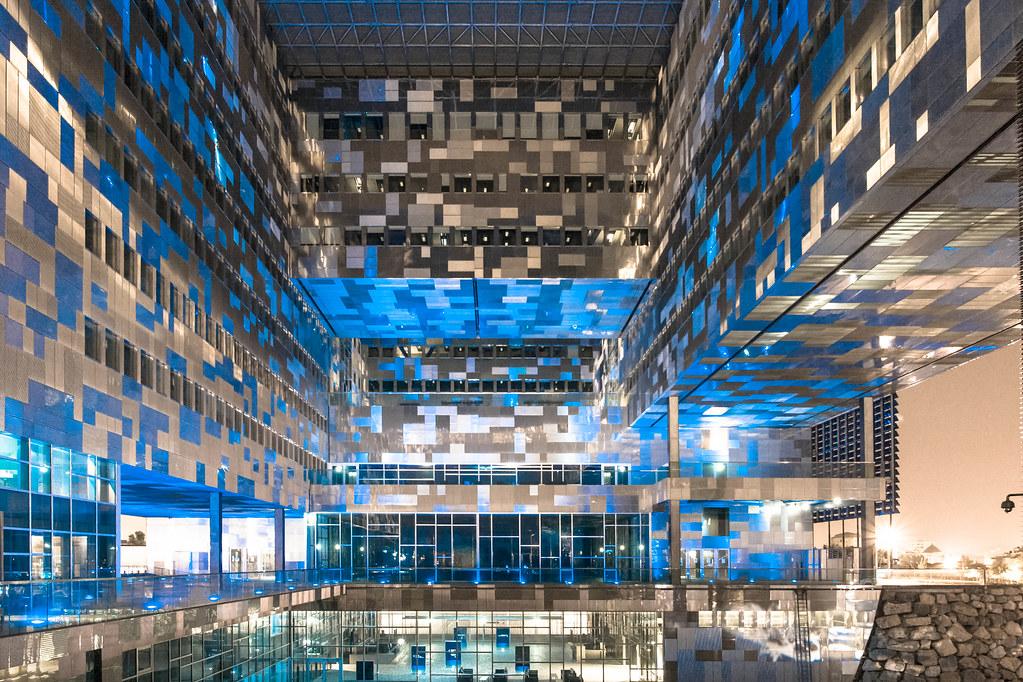 Tetris in montpellier la mairie de montpellier for Hotel piscine montpellier