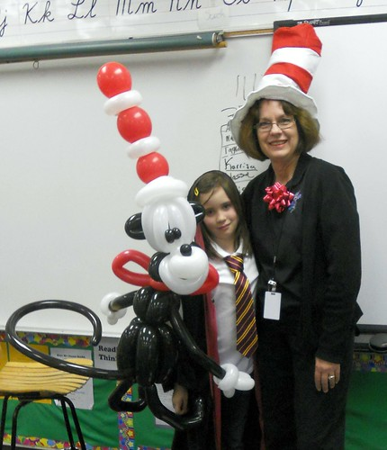 Dr Suess Cat in the Hat Balloon Sculpture | by AZ Twisty Kristy
