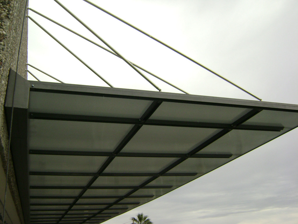 Suspended Metal Canopy With Danpalon Holiday Inn