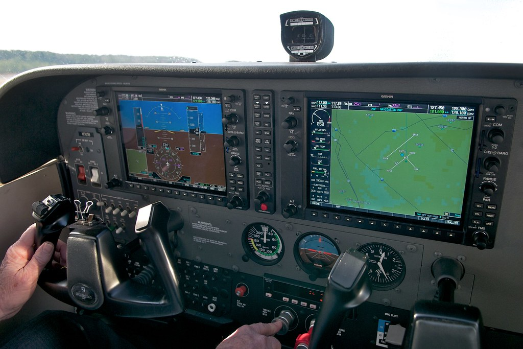 cessna garmin Cessna 172sp g1000 rental cost $135/hr year(s): 2005/2008 features: garmin g1000 system 180 horsepower fuel-injected engine two 104 integrated displays.