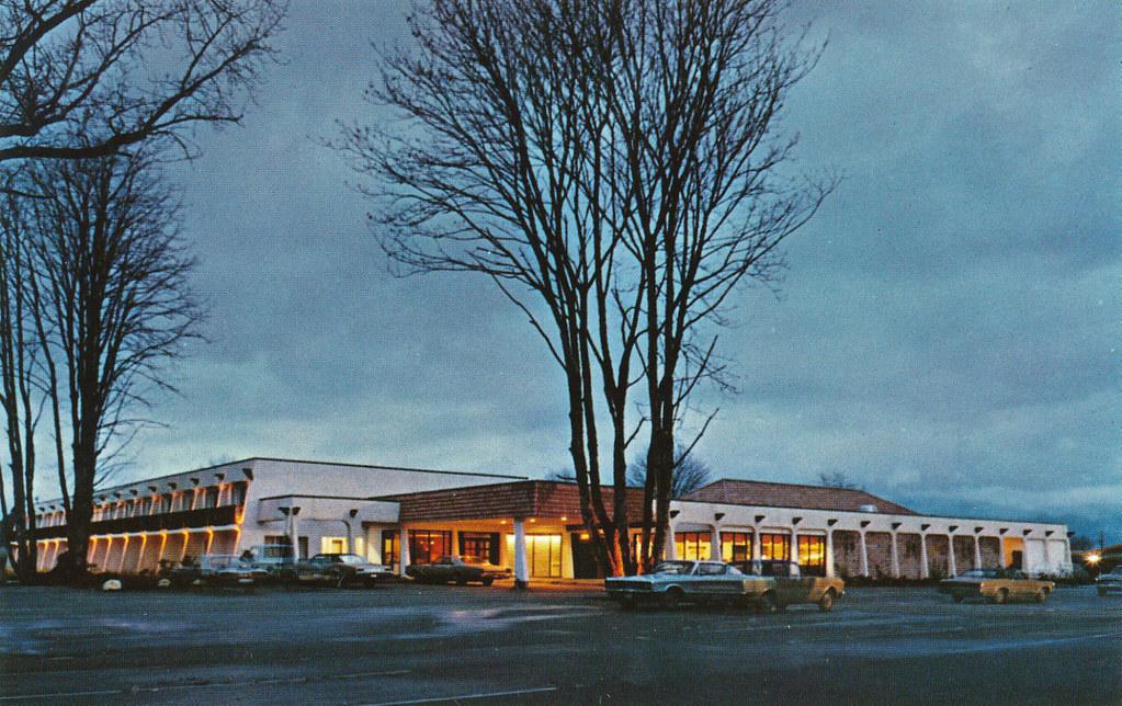 Postcard: Village Green Inn, Duncan, BC, c.1969 | Village ...