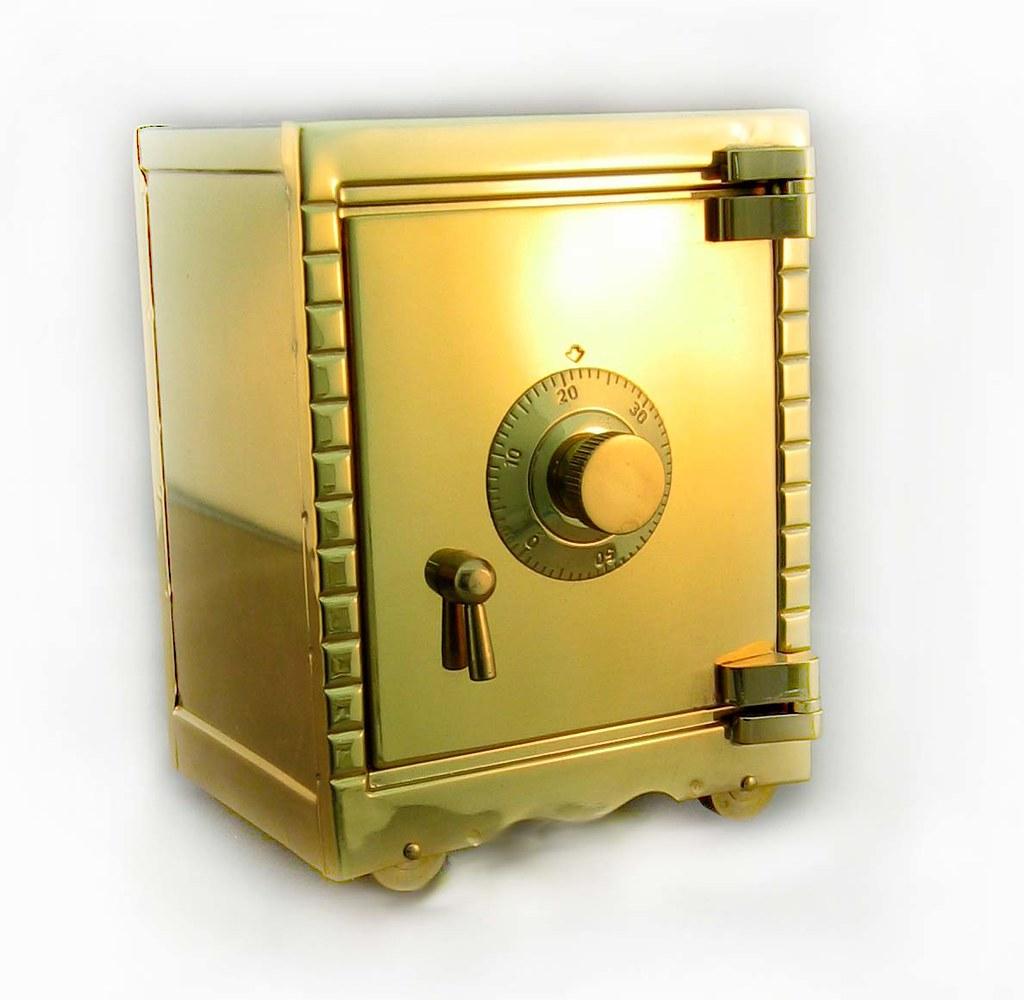 Как открыть сейф aiko
