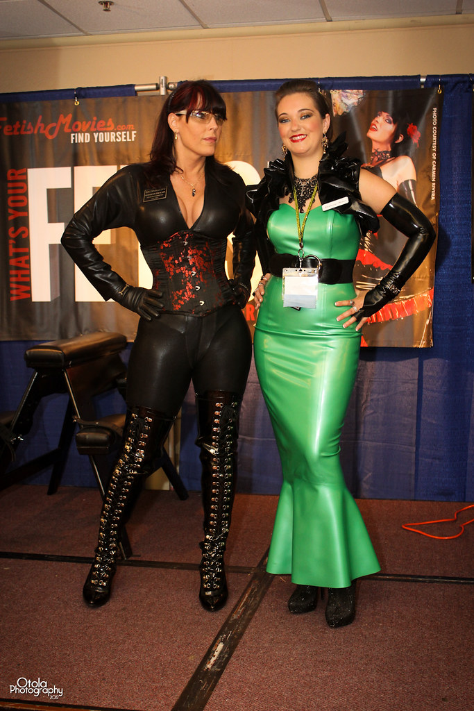 DomCon Los Angeles 2012 | Two dommes | Otola Photography ...