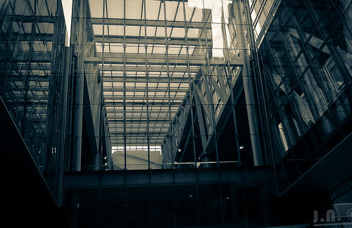 Glass walls | by Captjn