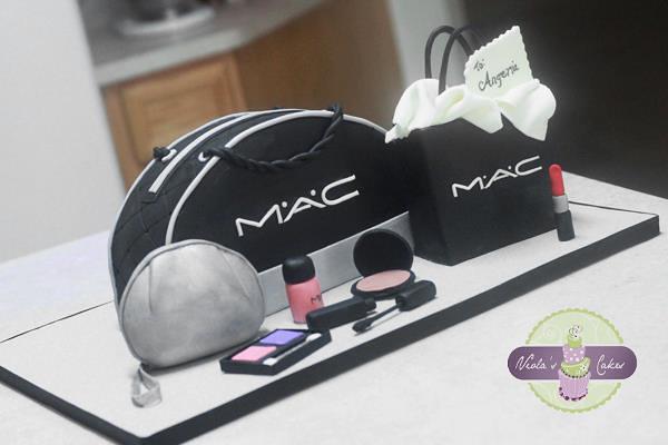 How To Make A Makeup Purse Cake