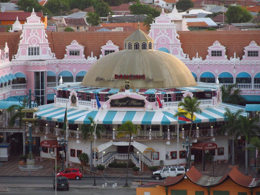 Mall In Aruba In Palm Beach