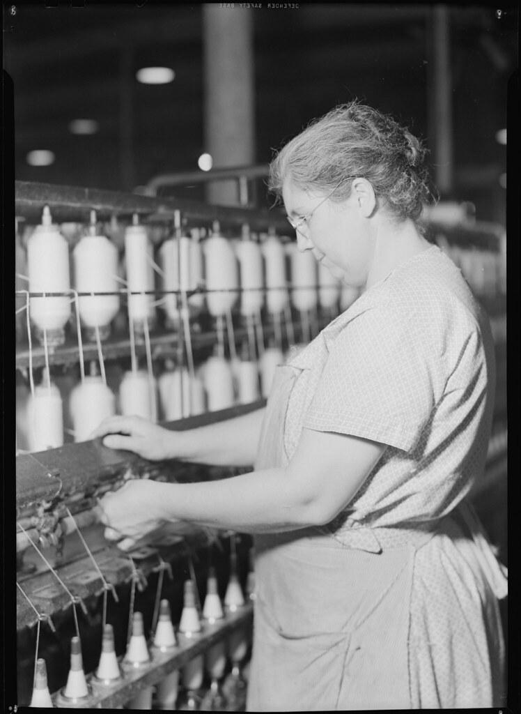 Spinning frame - H & B frame - highly skilled operator spi… | Flickr