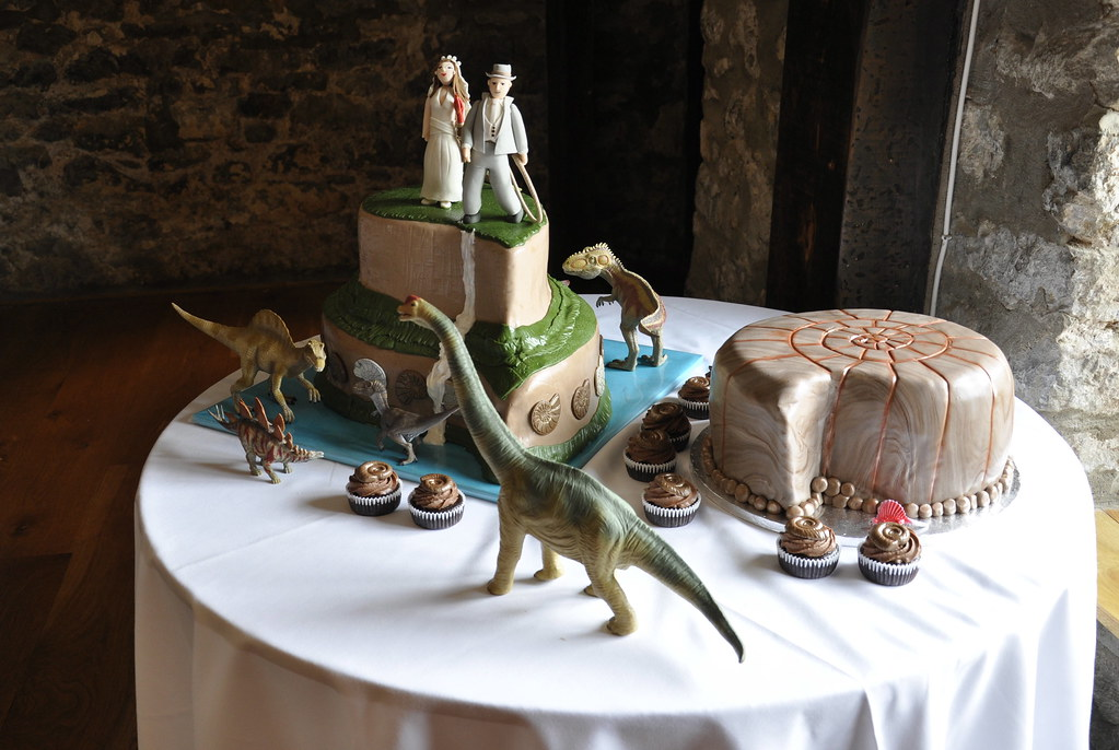 dinosaur wedding cake dinosaur wedding cake mount roirama themed wedding cake 13530