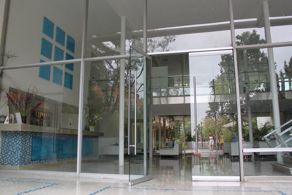 Entrance Of The Ex Landmark Motor Hotel Highland Gardens H Flickr