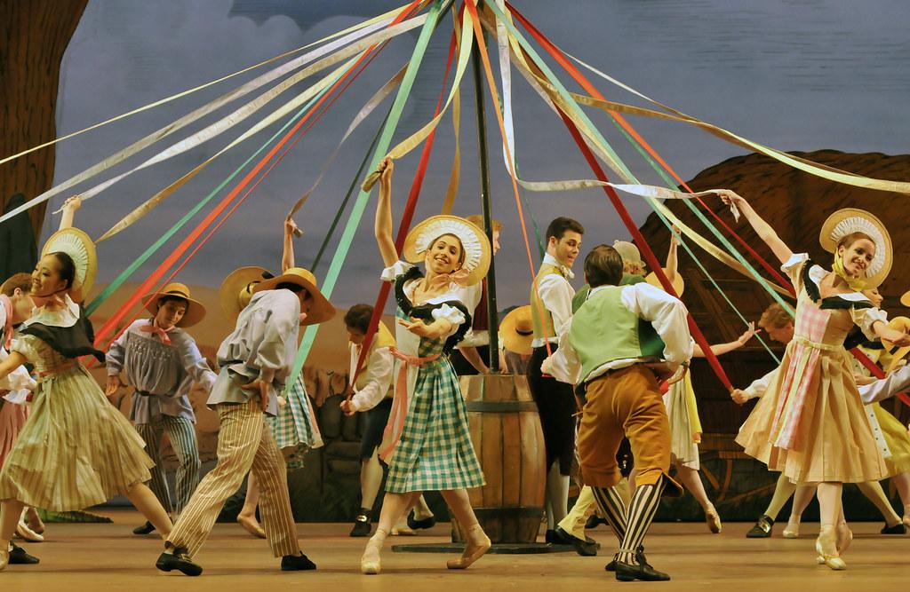 La Fille Mal Gardee Maypole Royal Ballet La Fille