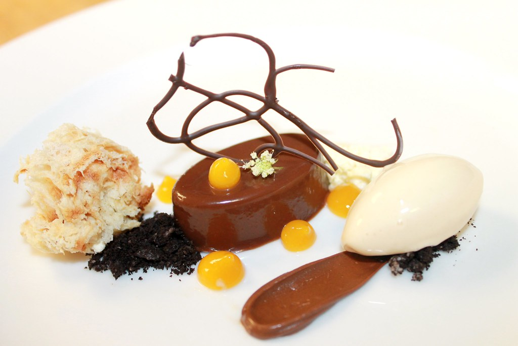 Manjari Chocolate Cremeux, Banana Caramel Microwave Spoge