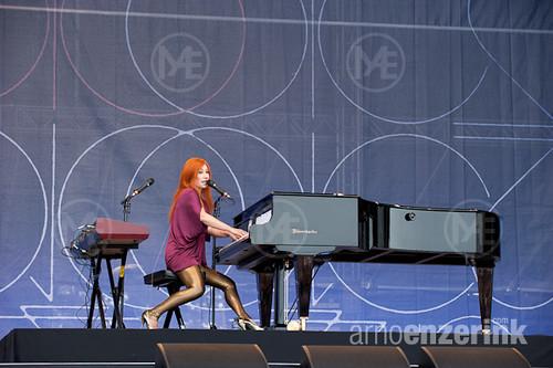 Tori Amos performing on stage in Kirjurinluoto Arena at ja…   Flickr