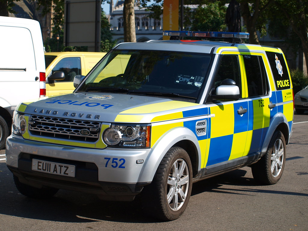 Ministry Of Defence Police Land Rover Discovery 4 Respon