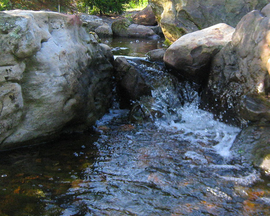 Meramec 39 s creek2 this is a recirculating water feature for Recirculating water feature