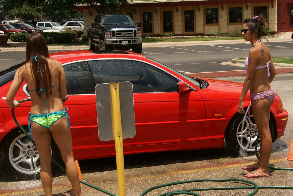 Amateur Bikini Car Wash 40 pics -