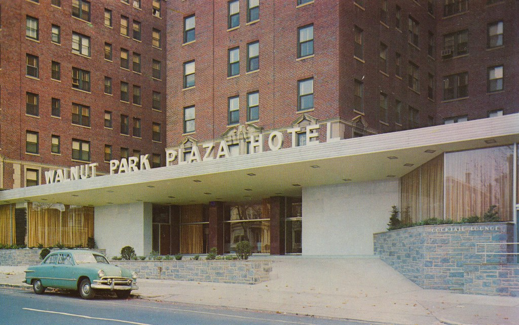 Walnut Park Plaza Hotel - Philadelphia, Pennsylvania